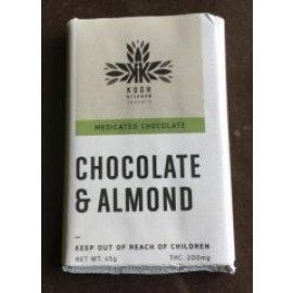 Kush's Kitchen Chocolate & Almond bar (200mg THC)
